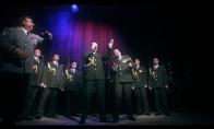 Rusijos policijos choras dainuoja JAV popsą