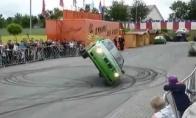 Minutė ant dviejų ratų su BMW