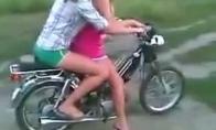 Panelės už vairo, kaip beždžionės su granata