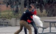 Netikėtas pagalvių mūšis