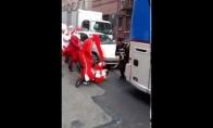 Ką veikia Kalėdų Seniai prieš Kalėdas?