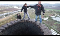 Pasivaikščiojimas ant 110 metrų kamino