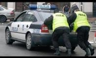 Lenkas trolina policininkus