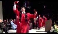 Nelaimingas diplomo gavimo šventimas