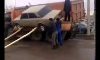 Kaip ožiai bandė mašiną vaduot
