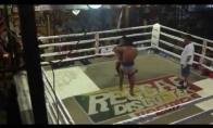 Muay Thai kova su keista pabaiga