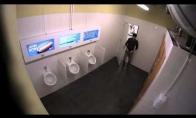 Blogiausias vyriškas tualetas