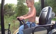 5-metis ekskavatoriaus vairuotojas