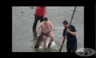 Kaip vyrai karpį gaudė
