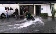 Geriausias būdas kaip išplauti motociklą