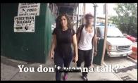 Kiek komplimentų susilaukia mergina Niujorke?
