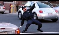 TOP 10 šokančių policininkų