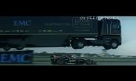 Fūros šuolis per F1 bolidą