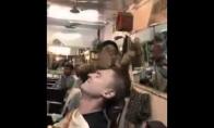 Galvos masažas Indijoje
