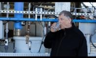 Bill Gates ragauja vandenį iš kakučių