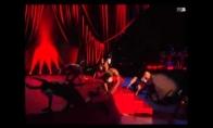 Madona nusivarto nuo scenos