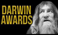 """Darvino apdovanojimo nusipelnę """"genijai"""""""