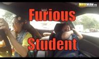 Profesionali drifterė gąsdina vairavimo instruktorius