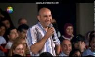 Vyro juokas užkrečia visą auditoriją