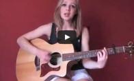 Nuostabiai dainuojanti panelė