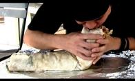 Gigantišką kebabą suvalgo per 2 minutes