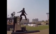 Neįtikėtinas BMX triukas