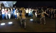 Vyrus hipnozuojantis šokis