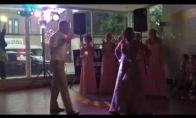 Motinos ir jaunikio šokis