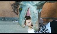 Dinozaurai puola lenkus