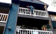 Kaip nereikia leistis iš balkono