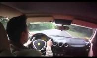 Laimingas Ferrari vairuotojas