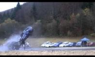 Kaip atrodo avarija 200km/h greičiu?