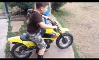 Pirmoji vairavimo pamoka gyvenime