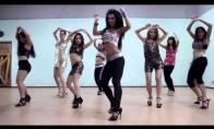 Gražių merginų gražus šokis