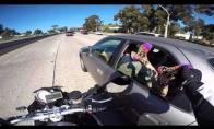 Motociklininko pakutenimas
