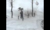 Tėtuko linksmybės sniege