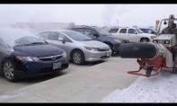 Kaip reikia nuvalyti sniegą nuo mašinų