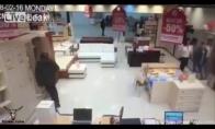 Nesėkmingas bandymas pavogti laptopą
