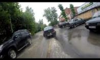 Rusų linksmybės patvinusiose gatvėse