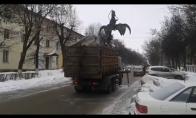 Kaip su nenaudojamais automobiliais tvarkosi rusai