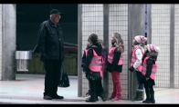 Vaikai sėja laimę traukinių stotyje