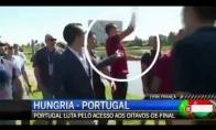 Ronaldo išmeta į ežerą žurnalisto mikrofoną