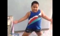 Storulis moka šokt geriau nei tu