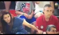 Tėvų reakcija į dukros gimnastės pasirodymą Olimpiadoje
