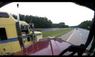 Žioplas vairuotojas vos nesukelia masinės avarijos
