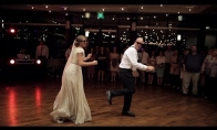 Pašėlęs jaunosios ir jos tėvo šokis