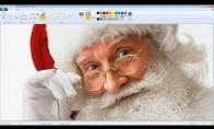 Hiperrealistiškas Kalėdų senelis, nupieštas su Microsoft Paint