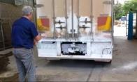 Kaip nesudėtingai nuplauti sunkvežimį
