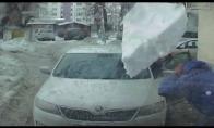 Krentantis ledas vos nepražudo dviejų vyrų
