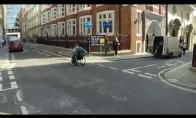 Lenktynės: vežimėlis prieš metro